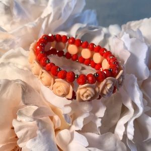 Stretchy flower bracelet